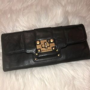 Juicy Couture vintage leather wallet good condit